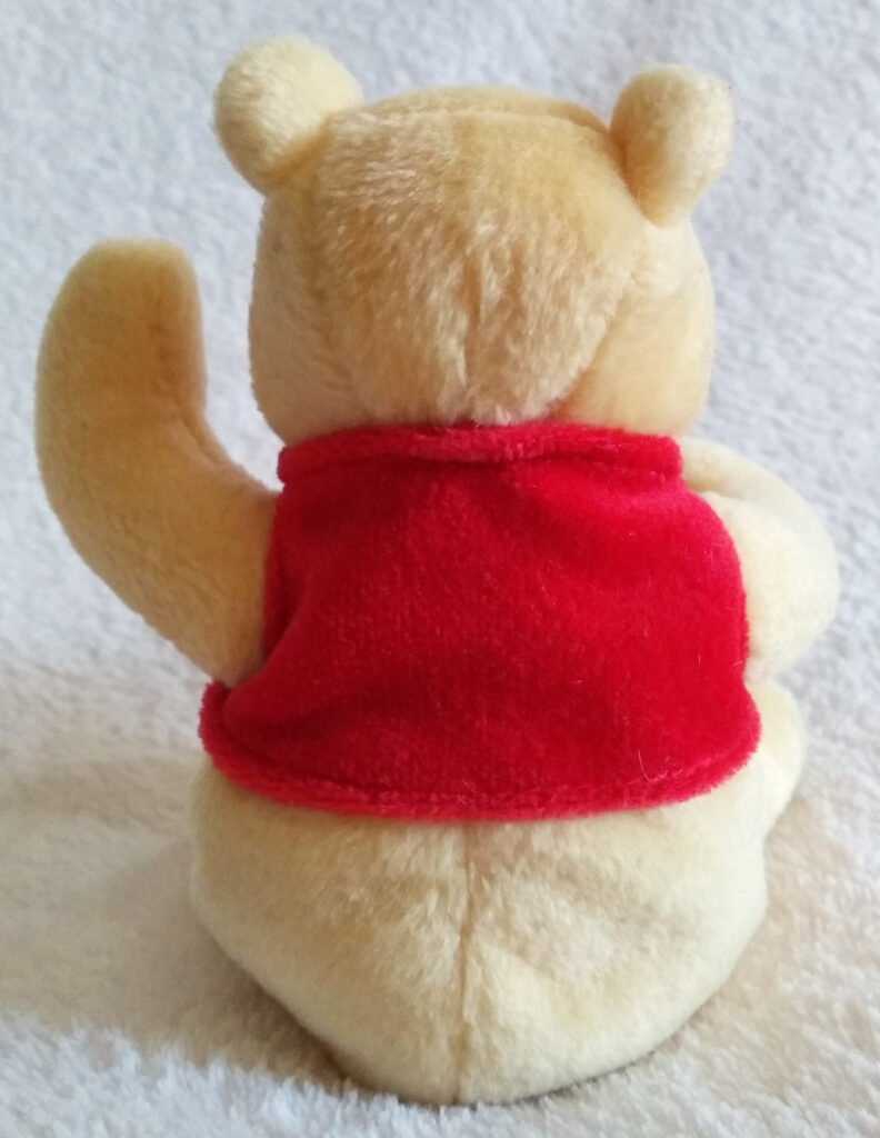 The back of Classic Pooh beanie Winnie the Pooh by Golden Bear