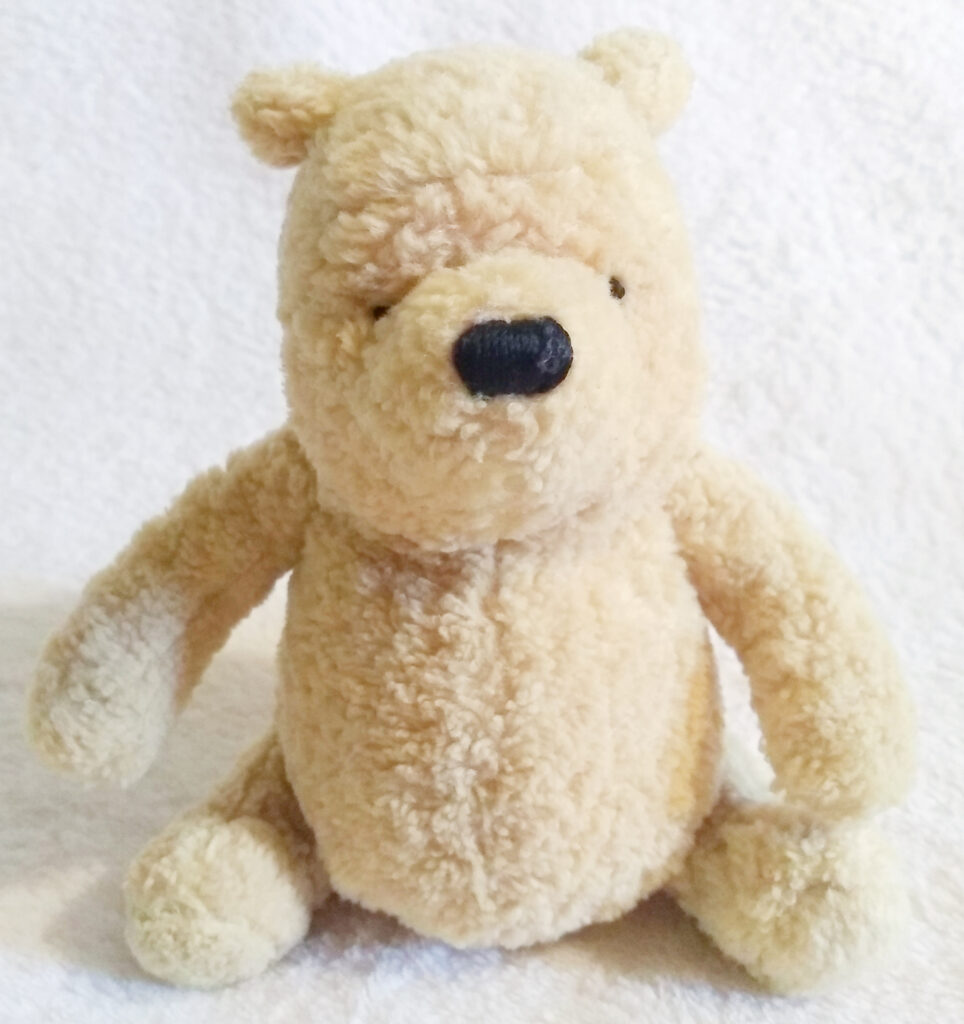 Winnie the Pooh - Classic Pooh by Gund front