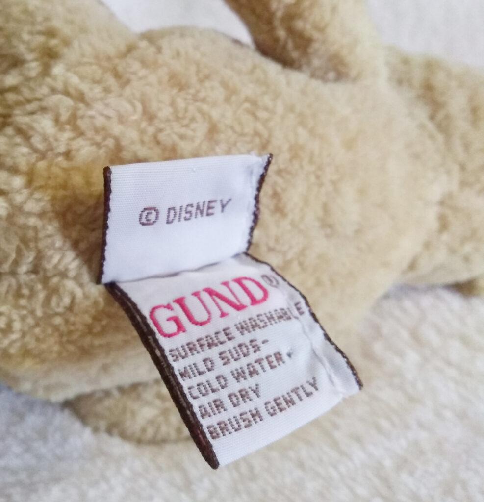 Winnie the Pooh - Classic Pooh by Gund tush tags